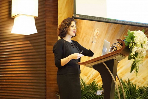 Homa Tavangar giving a talk at Ivy Education Group's Distinguished Speaker event
