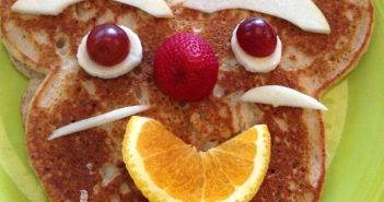 Pancake with a smiley face