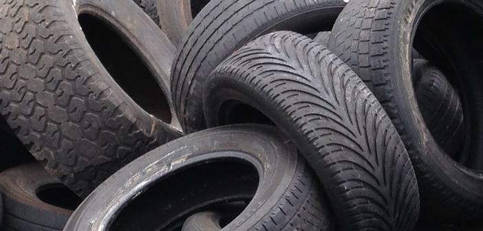 Recycled_tires By MarkBuckawicki (Own work) [CC0], via Wikimedia Commons