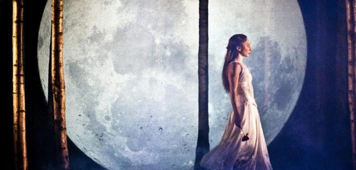 sa-sleeping-beauty-hannah-vassallo-moon_1000