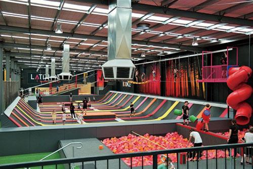 Free-Jump-Latitude-Trampoline-and-Rock-Climbing-Activity-Centre-Heidelberg-700x467-拷贝