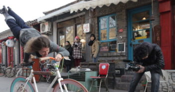 ines_brunn_beijing_bike_tricks_wudaoying_hutong_4